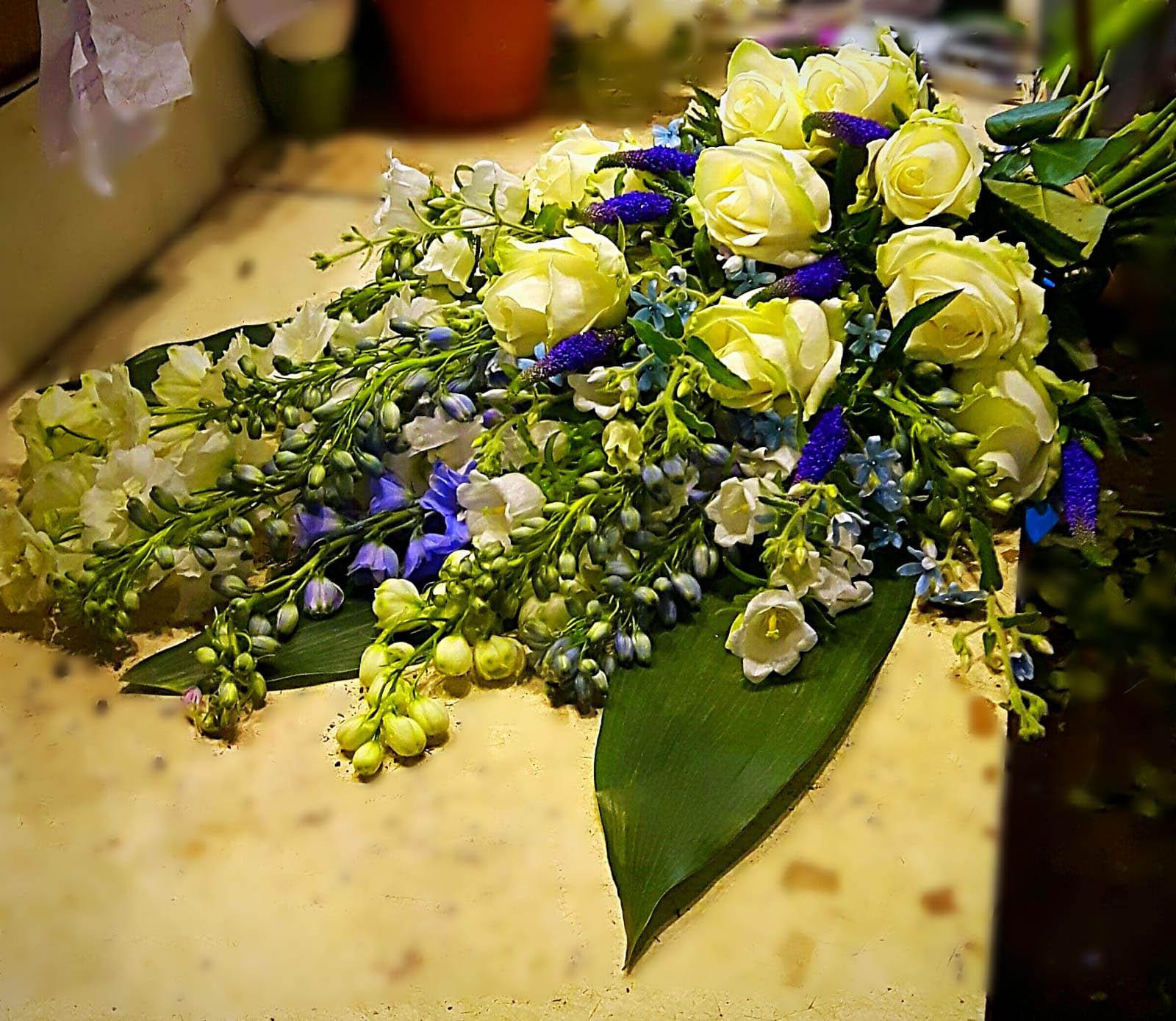 net even anders boeket witte rozen